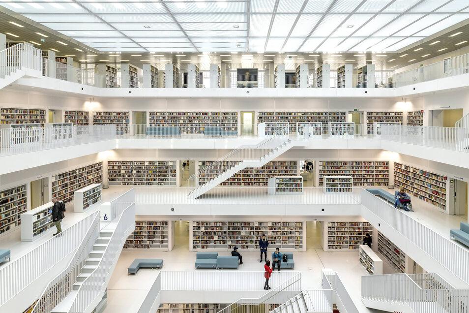 Stadtbibliothek am Mailänder Platz im Europaviertel Stuttgart. Geplant wurde sie vom koreanischen Architekt Eun Young Yi.