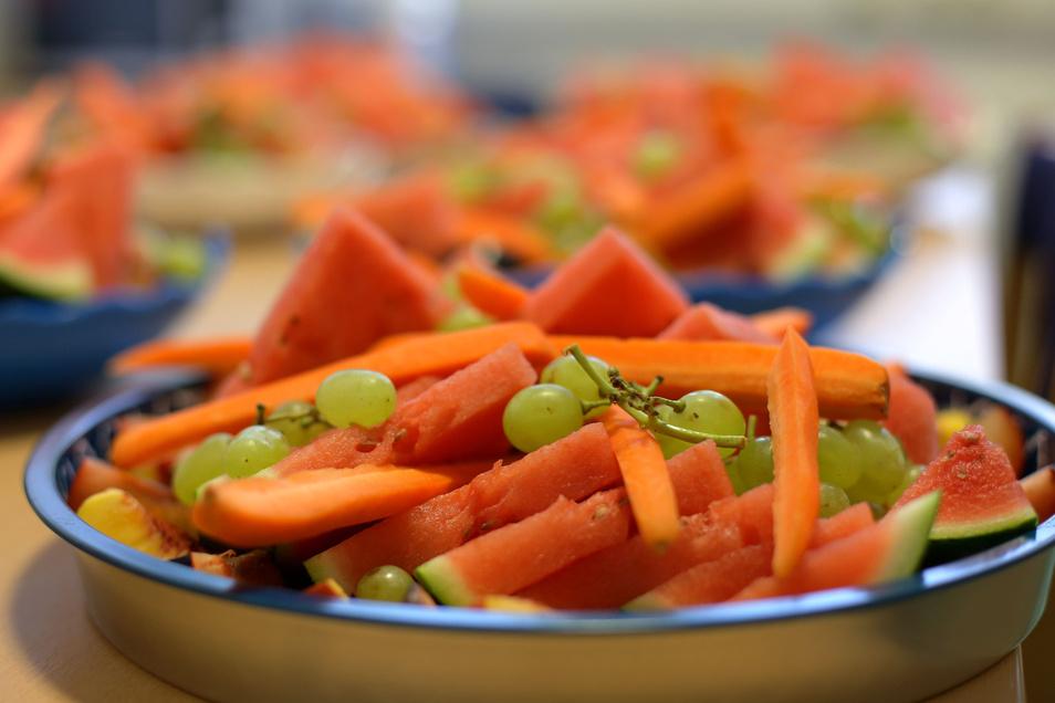 Gemüse sollte ebenso wie Obst und Nüsse auf dem Speiseplan in der Prüfungsvorbereitung stehen.
