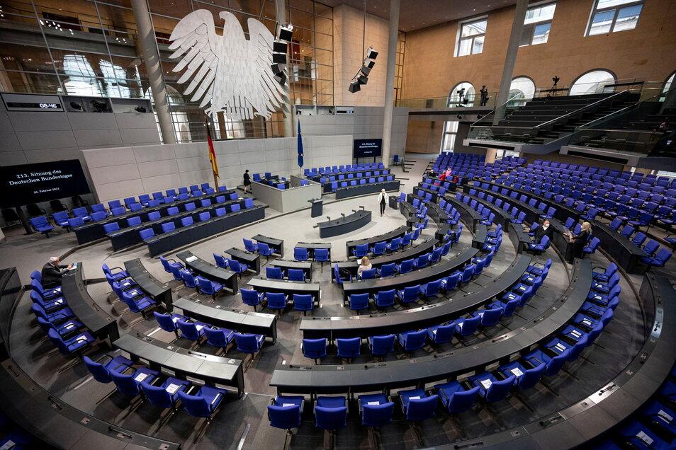 Der neue Bundestag wird noch einmal ein Stückchen größer. 38 Abgeordnete aus Sachsen werden hier ihren Platz haben.