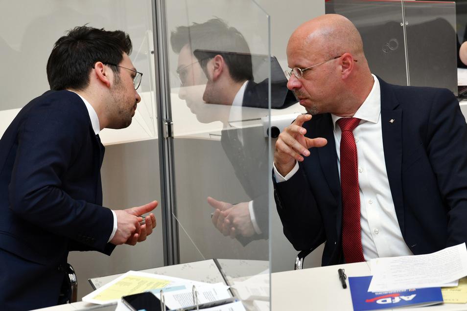 Dennis Hohloch (l.) und Andreas Kalbitz von der AfD im Brandenburger Landtag.