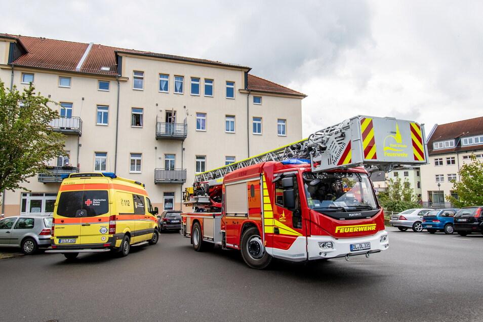 Feuerwehr und Rettungsdienst waren am Mittwoch an der Staupitzstraße in Döbeln im Einsatz.