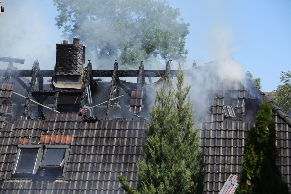 Zur Brandursache konnten bisher noch keine Angaben gemacht werde.