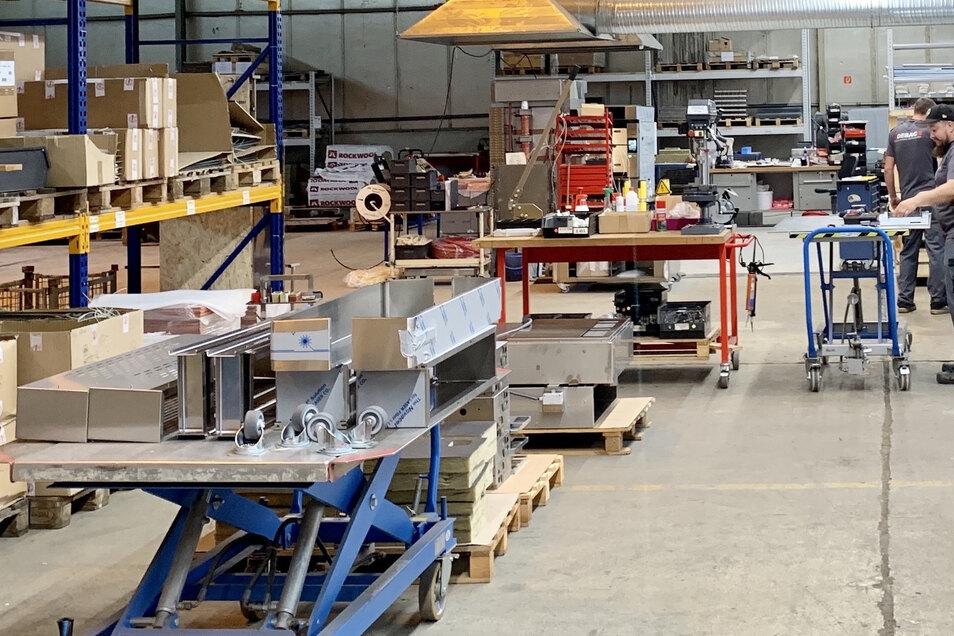 Der sächsische Backofen-Hersteller Debag erweitert seine Fertigung. In Königsbrück entstand eine neue Produktionshalle für Ladenbacköfen.