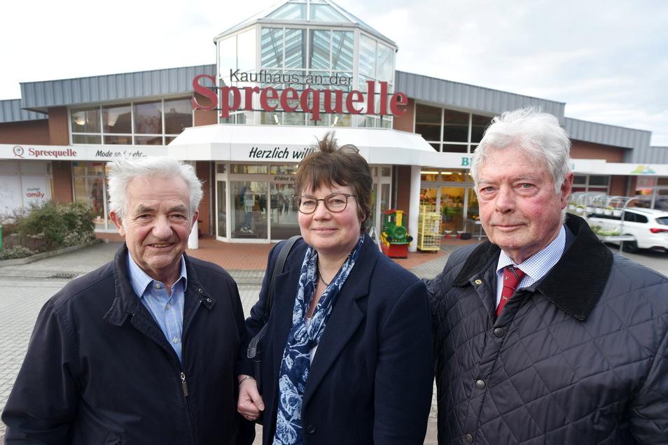 Die Chefs vom Spreequellcenter: Eckhard Unruh, Charlotte Deerberg und Karl-Wilhelm Deerberg (von links) halten an den Erweiterungsplänen für das Center fest.