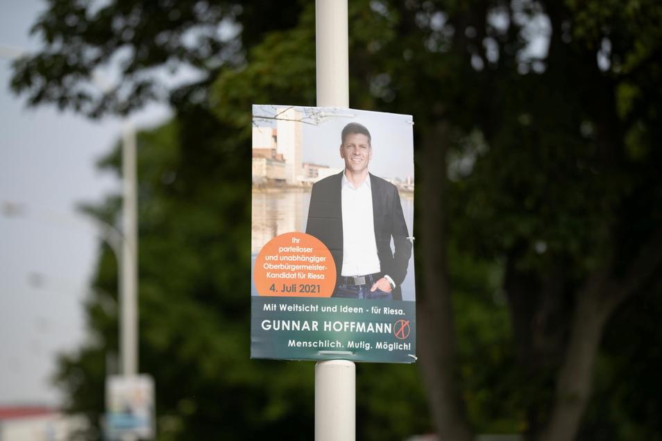 Gunnar Hoffmann tritt erstmals als OB-Kandiat an. Der Parteilose war 2019 in den Stadtrat gewählt worden. Der Riesaer arbeitet als Geschäftsführer in Dresden.