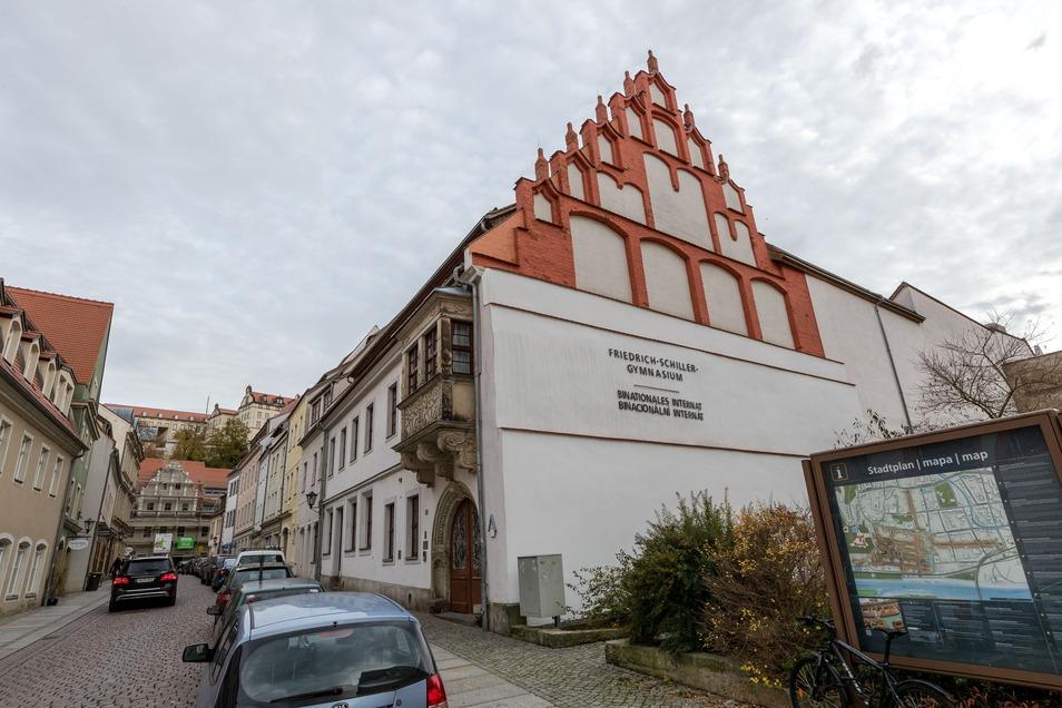 An der Ecke Schlossstraße/Frohngasse gibt es heute eine Baulücke mit einem kleinen Spielplatz.