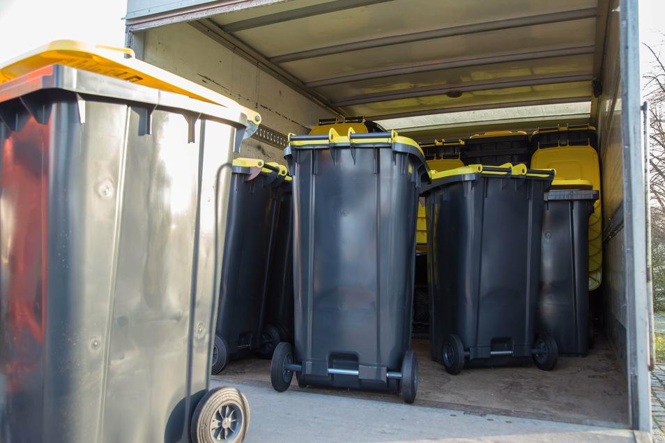 Die neuen Gelben Tonnen fassen 240 Liter Müll.
