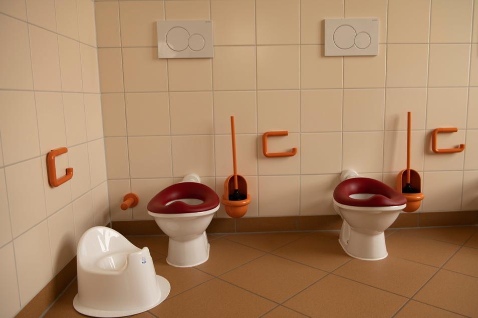 Der Sanitärbereich der Krippe wurde erneuert. Endlich haben die Jüngsten Toiletten in ihrer Größe.