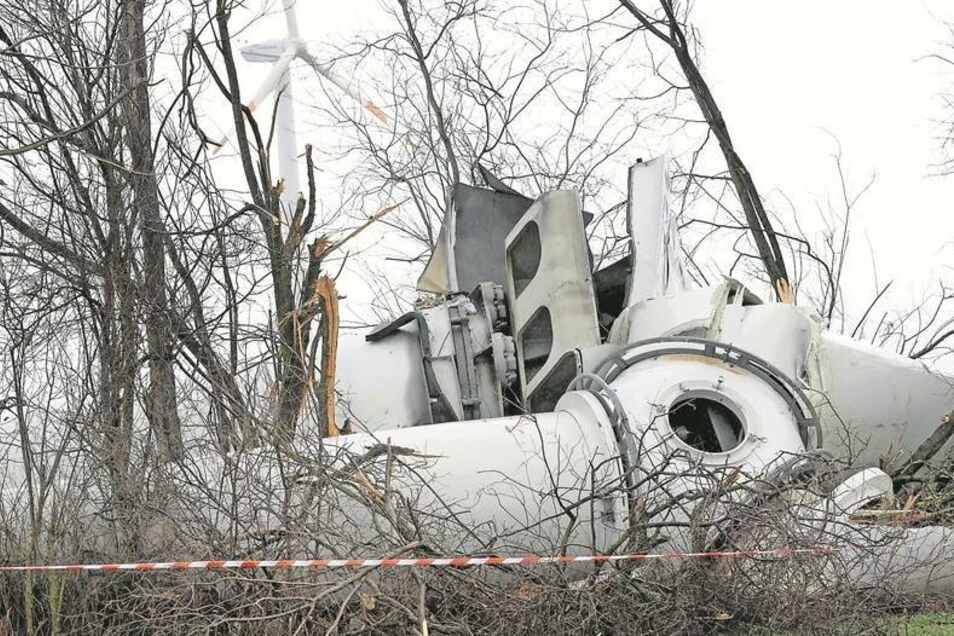 Tagelang hat niemand mitbekommen, dass die Anlage im Windpark Koßdorf (Stadt Mühlberg/Elbe) nicht mehr steht. Vermutlich hat der Sturm in der vergangenen Woche zu der Havarie beigetragen.