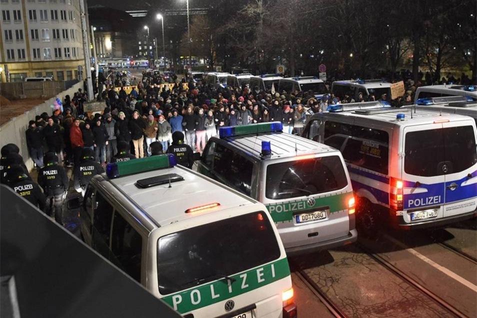 Blockadeversuch gegen Legida.