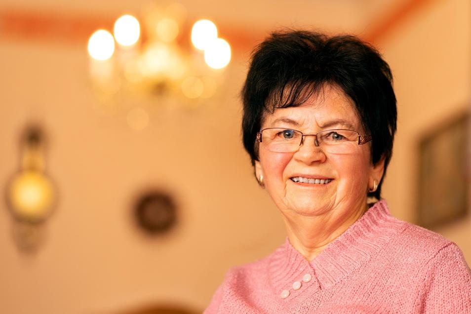 SZ-Leserin Elvira Pförtner aus Großharthau hat beim Gewinnspiel 10.000 Euro gewonnen.