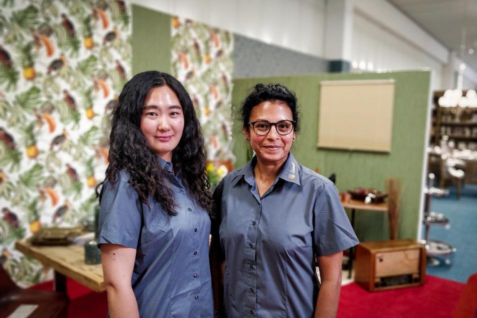 Yun Dak Yo (l.) und Enilda Schulz beginnen im Juli eine Ausbildung bei Teppich-Schmidt. Ihr Weg nach Meißen könnte verschiedener kaum gewesen sein.