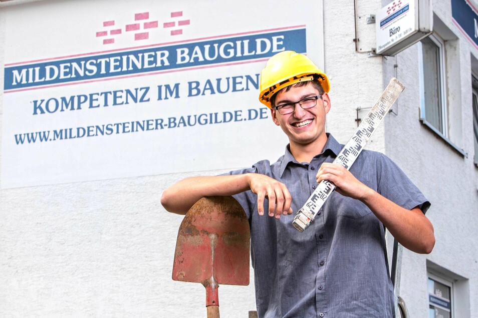 Bei Richard Schöne und seinem Ausbildungsbetrieb, der Mildensteiner Baugilde, hat die Chemie gestimmt. Richard gehört zu insgesamt fünf Lehrlingen, die am Montag bei der Obstland Dürrweitzschen AG ins Team des Konzerns und der einzelnen Tochterunternehmen