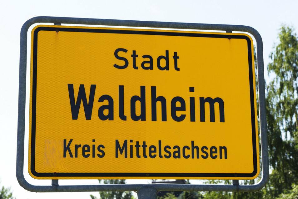 In einem Wohnheim in Waldheim werden am Freitag Bewohner auf das Coronavirus getestet.