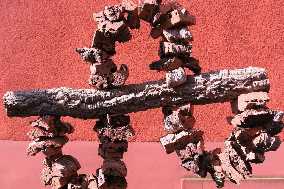 Die Schaukeln aus Kork und Draht sind bei vielen Vogelhaltern begehrt.