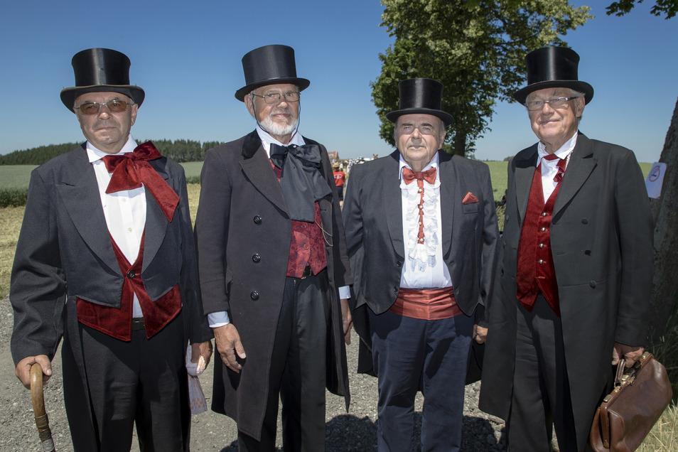 Der erste Gemeinderat 1839: Michael Hulbeck, Roland Kröhnert, Ralf-Johannes Heerklotz und Helfried Lohse (v.l.) während des Festumzuges.