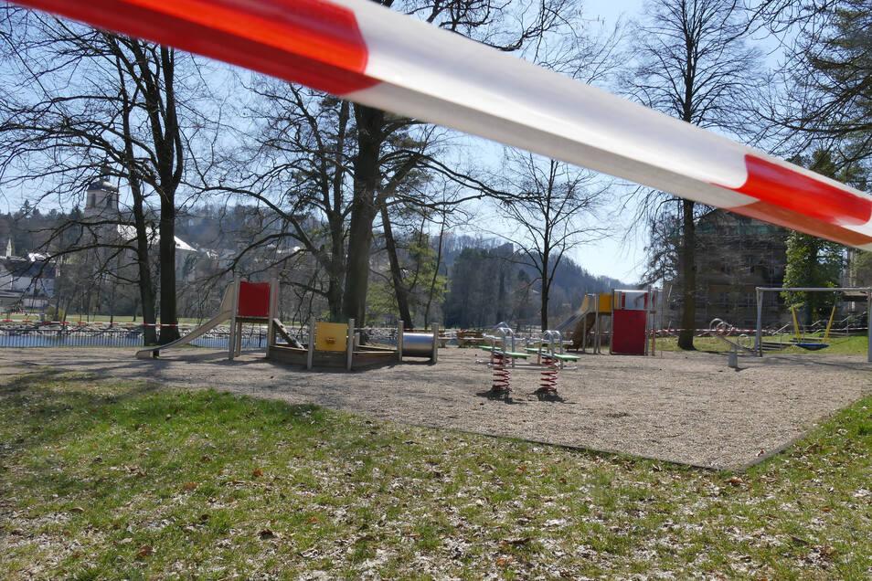 Das Corona-Ausgangsverbot sorgt auch im Raum Döbeln für eine bedrückende Stille auf vielen öffentlichen Plätzen in allen Orten. Auch in Waldheim blieben Spielplätze...