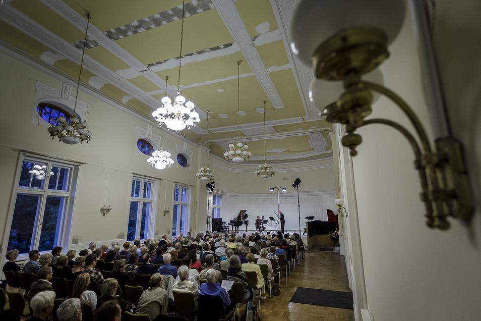 Konzert im Kleinen Saal der Stadthalle, hier zur Wiedereröffnung 2019. Nun kommt der MDR-Musiksommer.