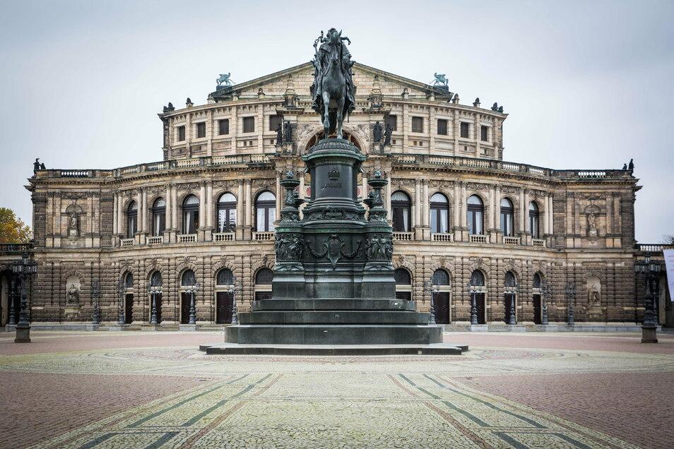 Die Dresdner Semperoper wurde 1985 zum dritten Mal wiedereröffnet.