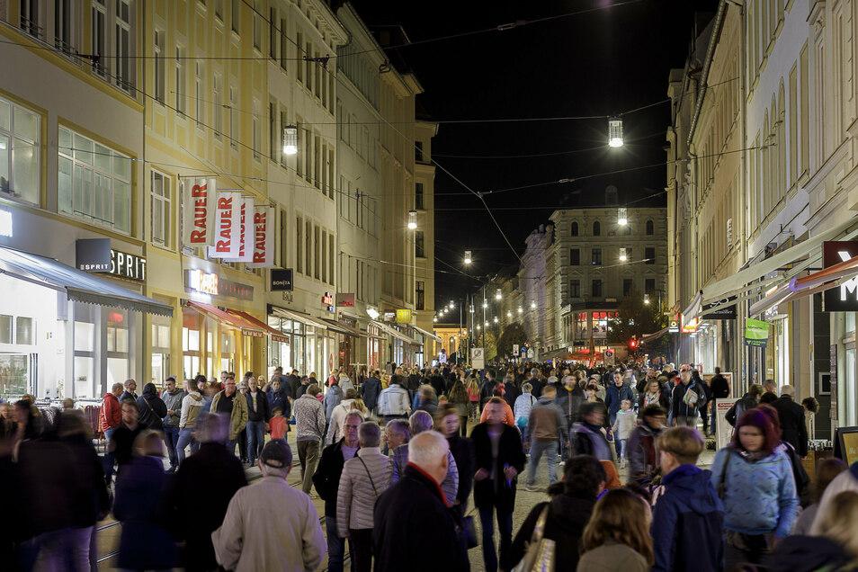So sah es voriges Jahr zum Lichterglanz aus. Der verkaufsoffene Abend gehört zu den Höhepunkten für die Görlitzer Innenstadthändler - und für viele Görlitzer.