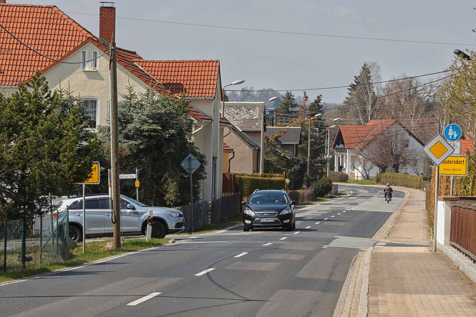 An der Grenze zwischen den beiden Ortsteilen von Leutersdorf und Spitzkunnersdorf gibt es viel zu wenig Löschwasser.