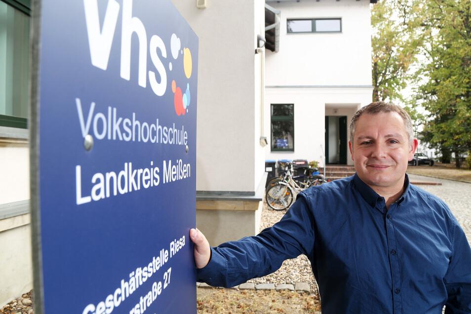 René Gubsch ist Geschäftsführer der Volkshochschule im Kreis Meißen. Damit die ihrer gesellschaftlichen Verantwortung auch im ländlichen Raum nachkommen kann, müsse man teils neue Wege beschreiten, sagt er.