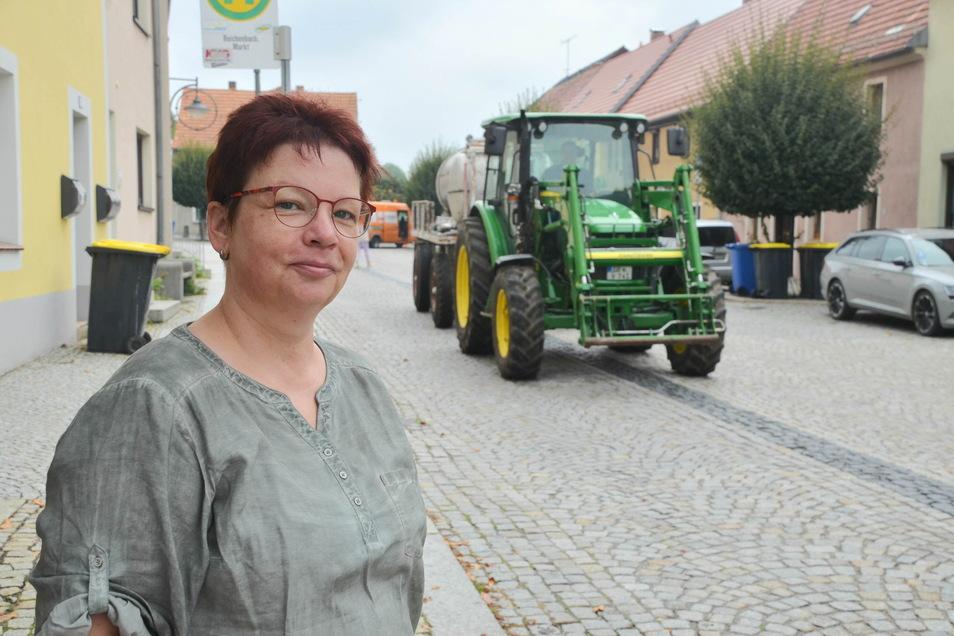 Katrin Klawonn gehört zu denjenigen Anwohnern, die froh sind, dass der Verkehr am Alten Ring in Zukunft nicht mehr so laut sein wird.