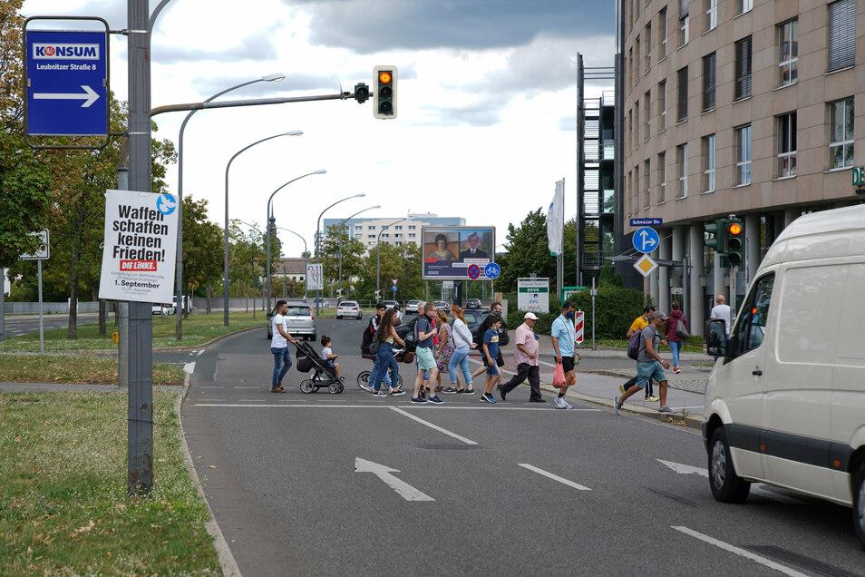 Diese Fußgängerampel an der Budapester Straße in Dresden war aus, als ein Junge von einem Auto überfahren wurde. Hätte sie das Kind schützen und den Autofahrer stoppen können?