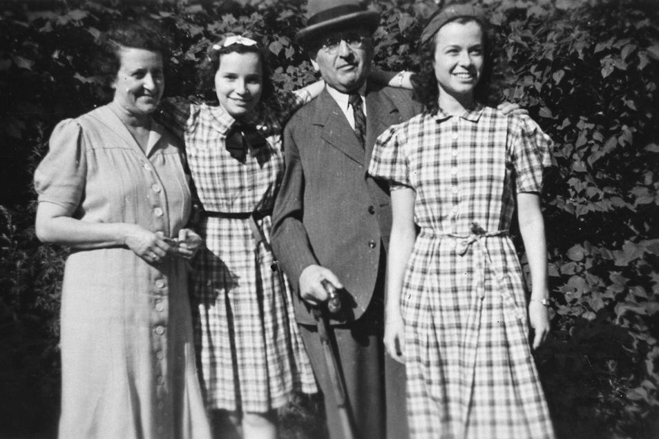 Bianca, Ursula, Walter und Gerti Totschek 1939. Kurz nach Aufnahme des Bildes gelangte Ursula Totschek mit einem Kindertransport nach England.