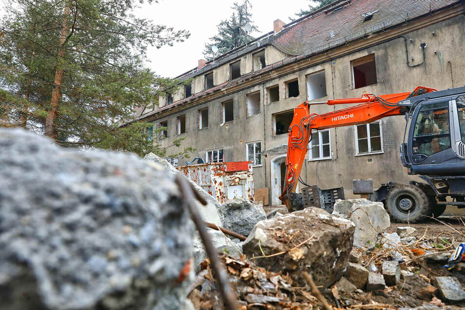 Das Haus Herwigsdorfer Straße 6a in Zittau wird abgerissen.