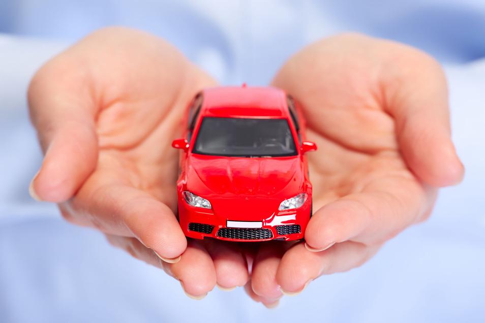 Wer in der Radeberger Klinik einen Arbeitsvertrag unterschreibt, soll entweder mehrere Tausend Euro oder ein Auto bekommen. Der Grund: Fachkräftemangel.