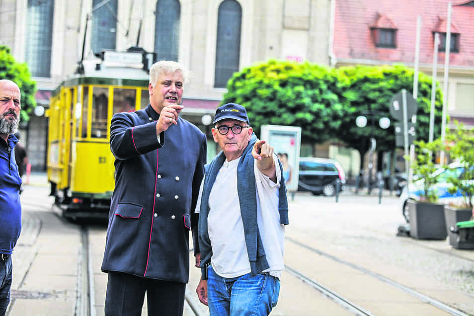 Regisseur Dominik Graf (rechts) gibt Drehanweisungen.