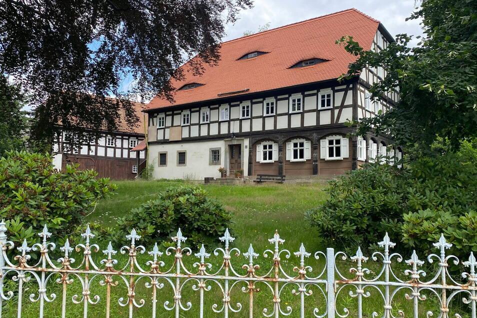 Das Dorfgemeinschaftshaus in Niedercunnersdorf soll saniert werden. Dach und Obergeschoss müssen erneuert werden.