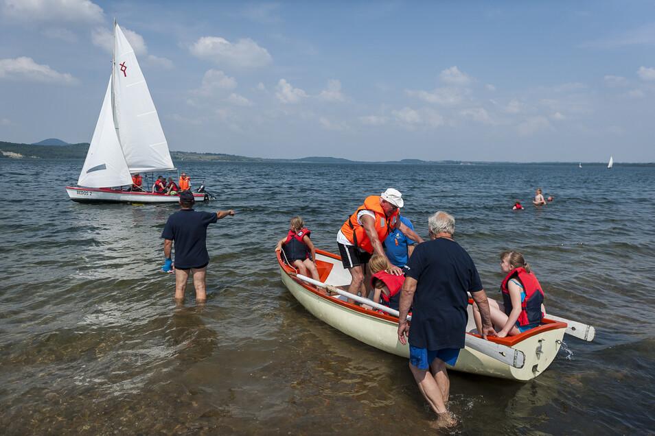Der Segelstützpunkt in der Blauen Lagune ist nicht nur für Vereinsmitglieder ein wichtiger Treffpunkt, sondern auch für alle, die etwas lernen wollen.