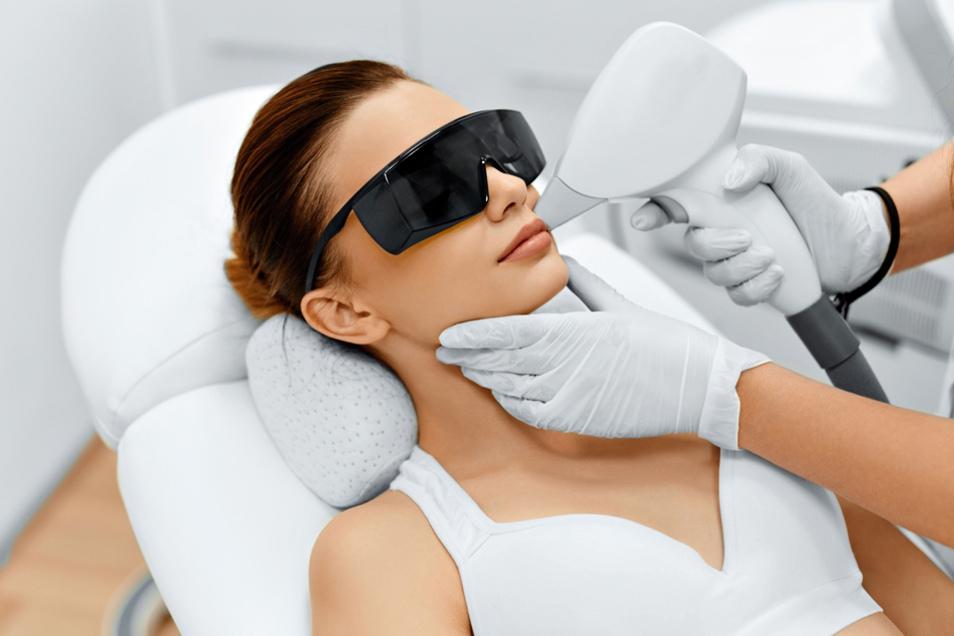 Besonders effizient ist die optische Epilation, um Haare langfristig zu entfernen.