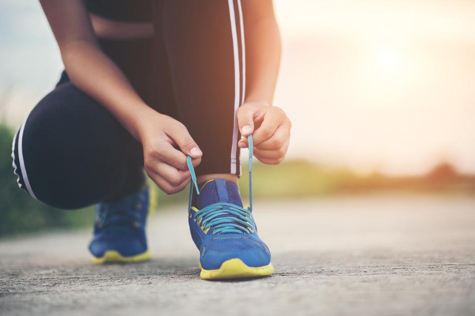 Überlastete Faszie: Ein Läuferknie kann vermieden werden.