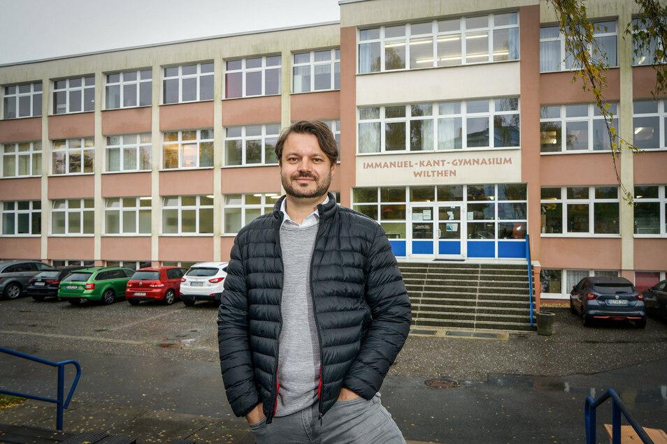 Seit Schuljahresbeginn leitet Markus Straube als neuer Rektor das Immanuel-Kant-Gymnasium in Wilthen, nachdem die Stelle ein Jahr lang nur kommissarisch besetzt war.