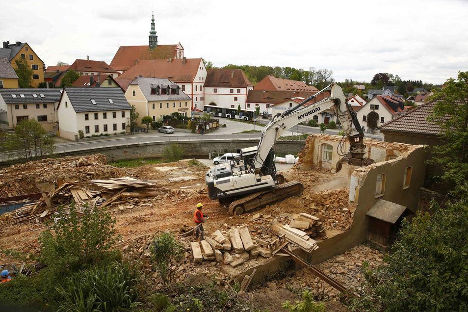 Der Alte Gasthof in Panschwitz-Kuckau wird abgerissen. Er gehörte über 300 Jahre zum Ortsbild, verfiel aber seit Jahrzehnten.