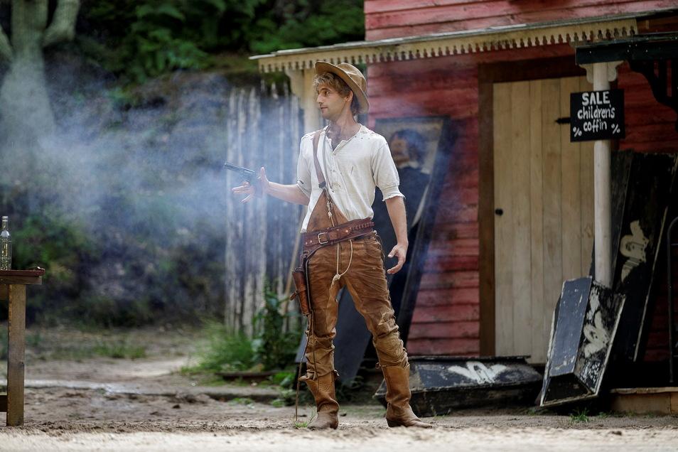 Fabian Quast schlüpft diesmal in Terence Hills Rolle Trinity.
