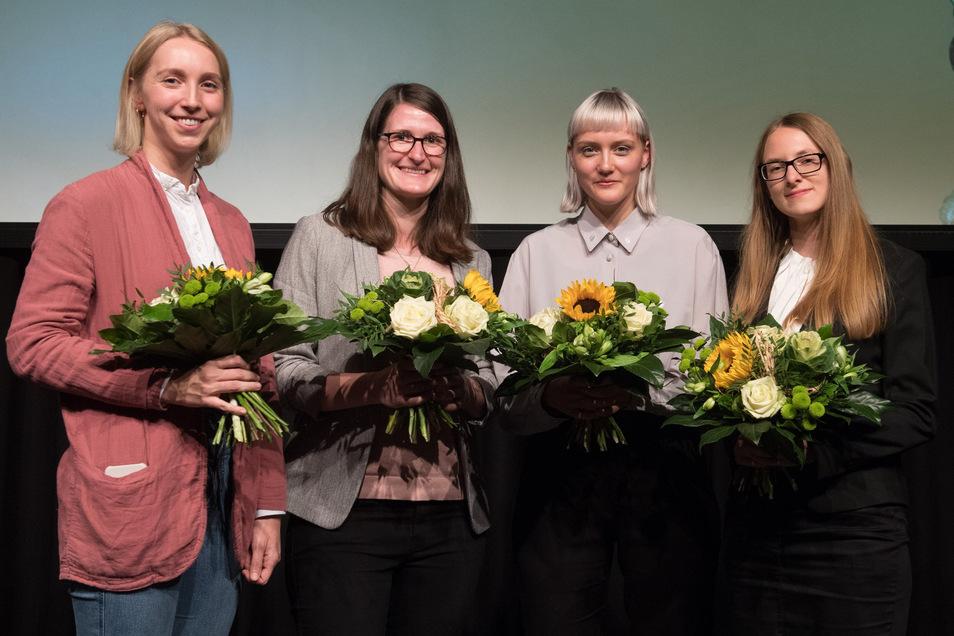 Anja Reusch (r.) wurde mit dem Saxonia Woman Award ausgezeichnet. Mit ihr geehrt wurden Lina Peters (v. l.) 2. Platz), Karin Lampesberger (3. Platz) und Carolin Scholl (3. Platz).