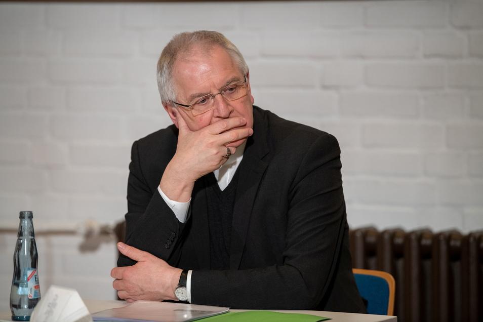 Dresdens Bischof Heinrich Timmerevers bezahlte 9.125,93 Euro für ein Gutachten - für ein paar Stundensätze eines Opferanwalts jedoch nicht.