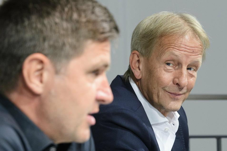 Unter Beobachtung: In spätestens zwei Jahren, hat Ralf Becker bei seinem Amtsantritt gesagt, soll Dynamo wieder in der zweiten Liga spielen. Aufsichtsratschef Jens Heinig (rechts) hätte nichts dagegen, wenn es schneller geht.