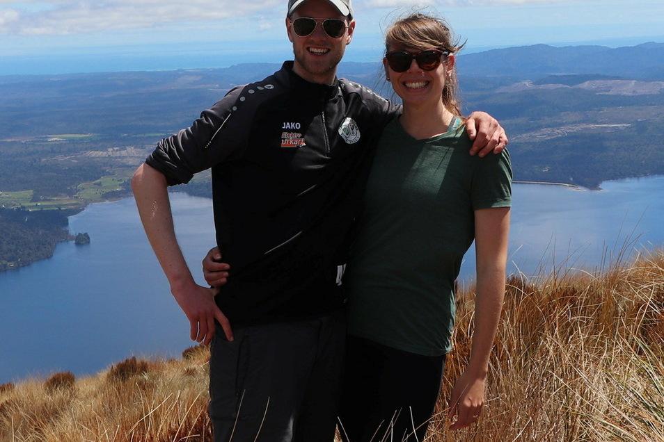 Karolin Behner arbeitet, lebt und reist mit ihrem Partner in Neuseeland.