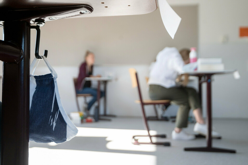 Drei bayrische Schüler hatten sich Zugang zum Schulsafe verschafft - ein Fall für die Polizei.