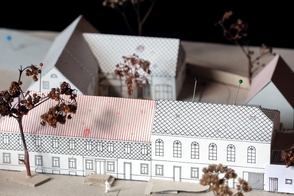 Ein Modell zeigt, wie der ehemalige Mittelgasthof schon bald als Wohnobjekt aussehen soll.