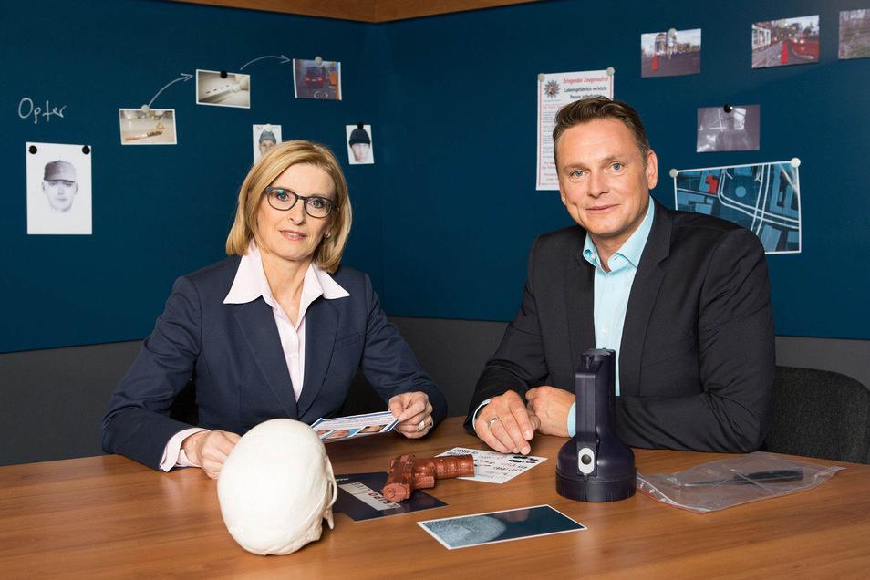 """Am Donnerstag läuft um 20:15 Uhr die Sendung """"30 Jahre Kripo live"""" mit Birgit von Derschau und Axel Bulthaupt im MDR"""