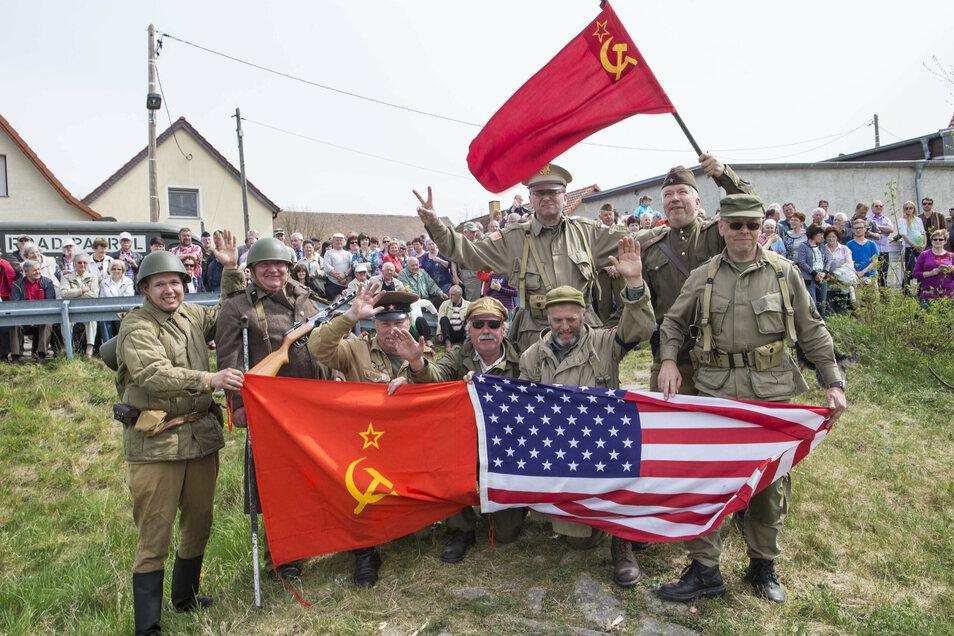 In Kreinitz wird jährlich an das erste Treffen der Roten Armee und der US-Armee am 25. April 1945 gedacht.