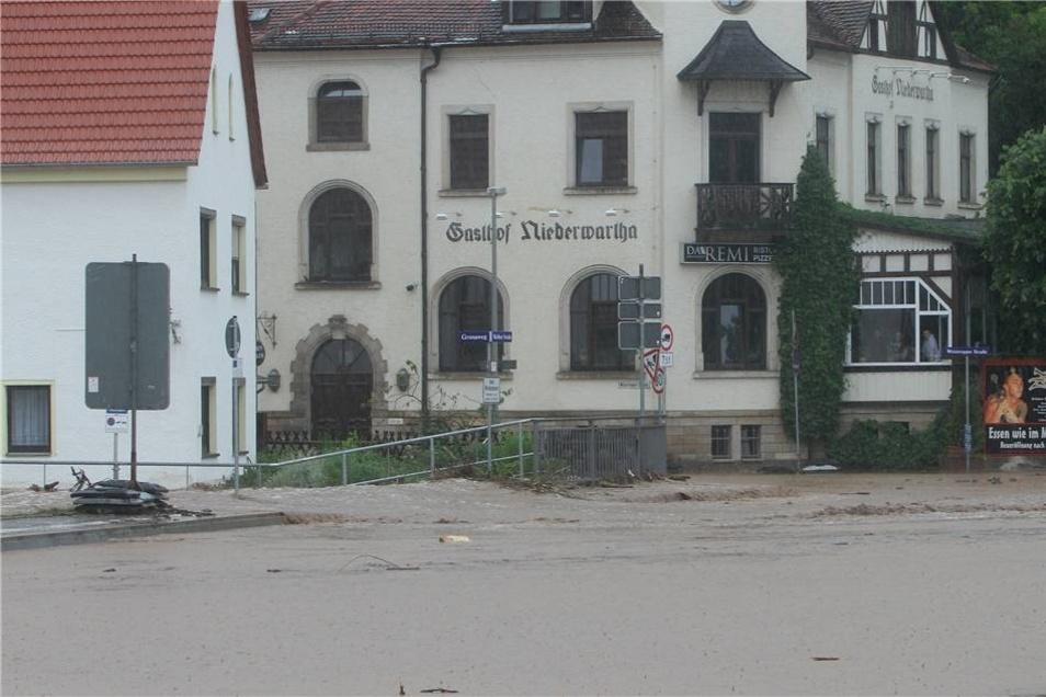 Einige Häuser wurden überflutet.