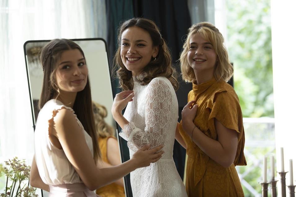 Antonia, Luna und Sophie sind glücklich verliebt. Ihre Väter machen ihnen einen Strich durch die Liebesrechnung.
