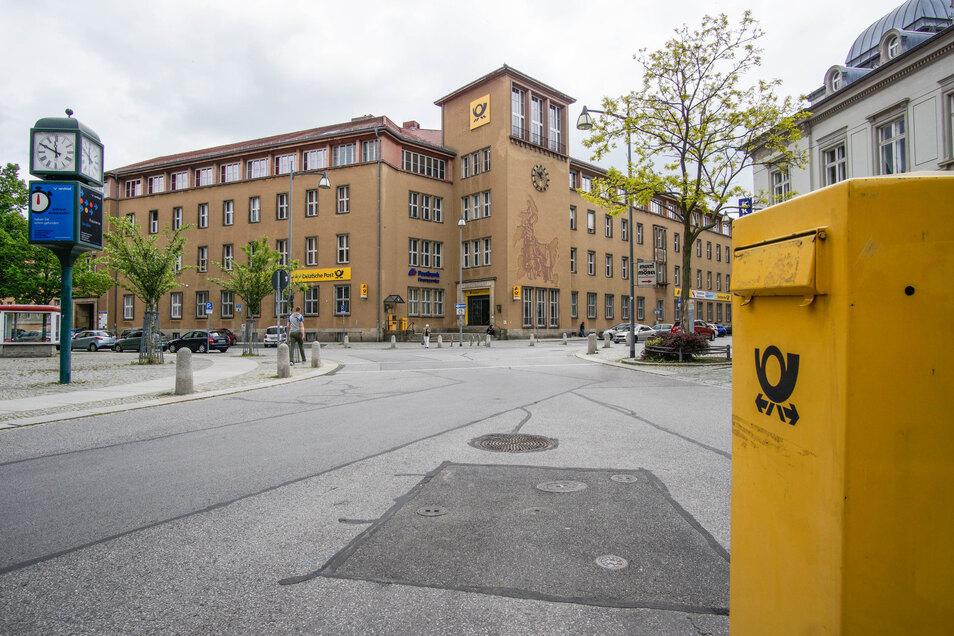 In der Post am Bautzener Postplatz tut sich etwas. Schon bald zieht dort der MDR ein.